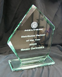 Mouser Receives Distributor Partner of the Year Award from Neutrik